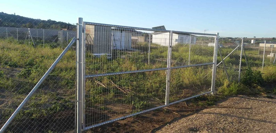 Cerramientos metálicos en Cádiz: malla simple torsión