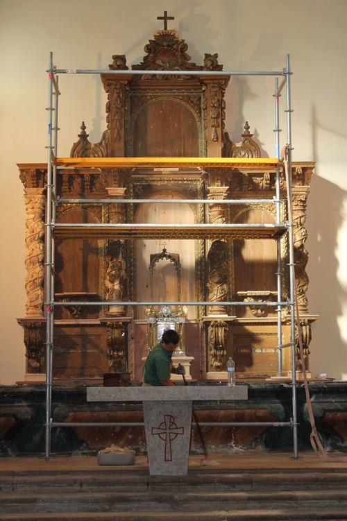 Andamiaje para la restauración de retablo