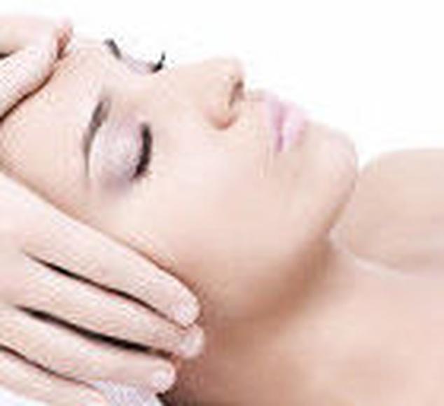 Masaje facial Kobido: Nuestros servicios de Carpe Diem Clínicas