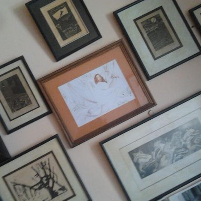 Cómo decorar una pared con cuadros