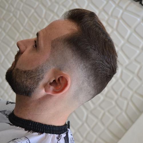 Barbería clásica en Montequinto: Iván Peluqueros