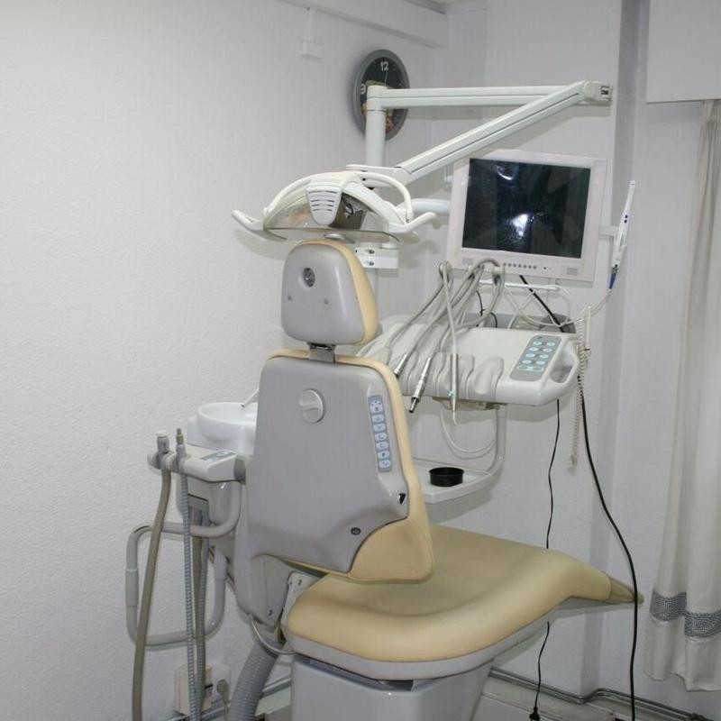 Revisiones: Especialidades de Clínicas Dental Máster RJ Alamillo