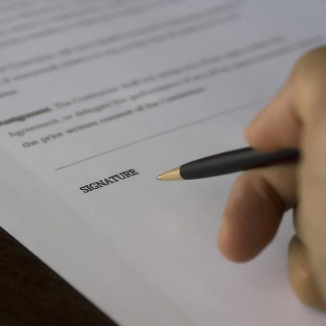 ¿Es obligatorio el papel timbrado en una traducción jurada?