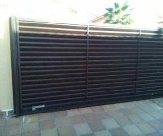 Puertas metálicas: Automatismos y puertas de Tecnomat Puertas Metálicas