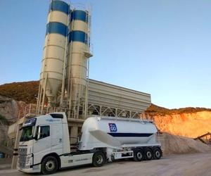 Transporte de cemento y cenizas volantes
