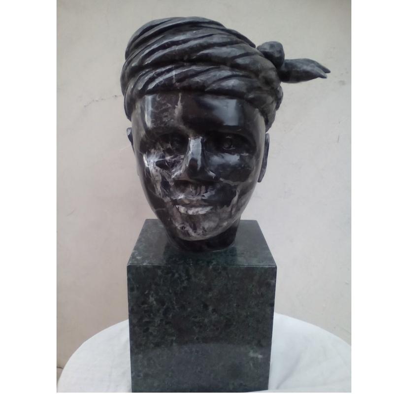 Noches de negro satén: Esculturas de Antonia Dávalos
