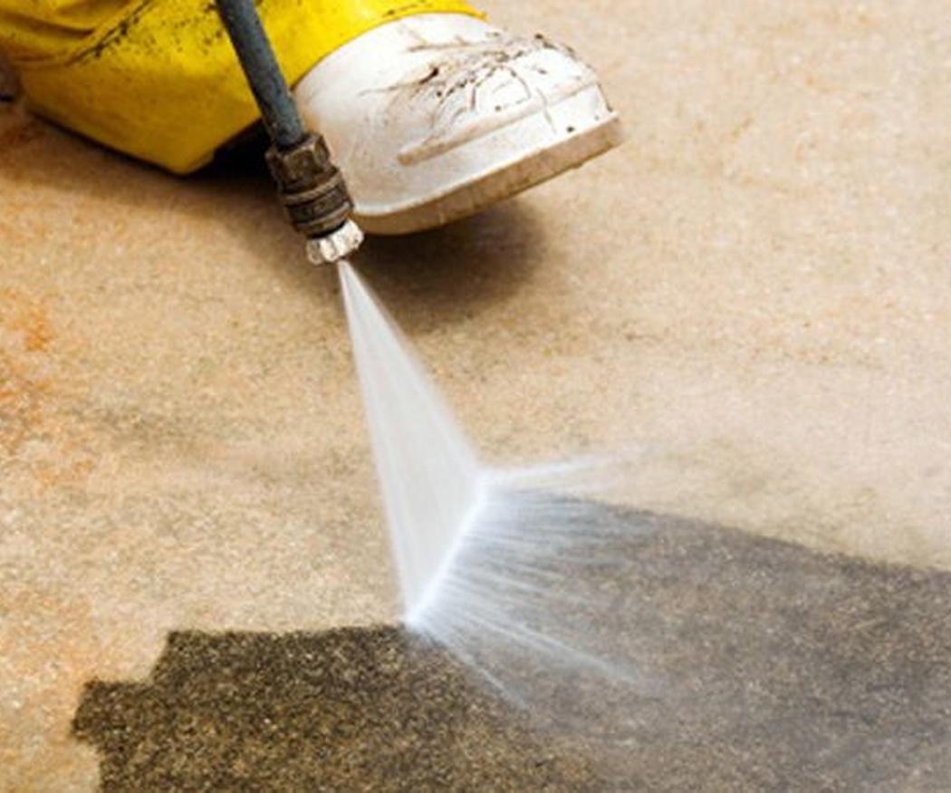 La limpieza con agua a presión