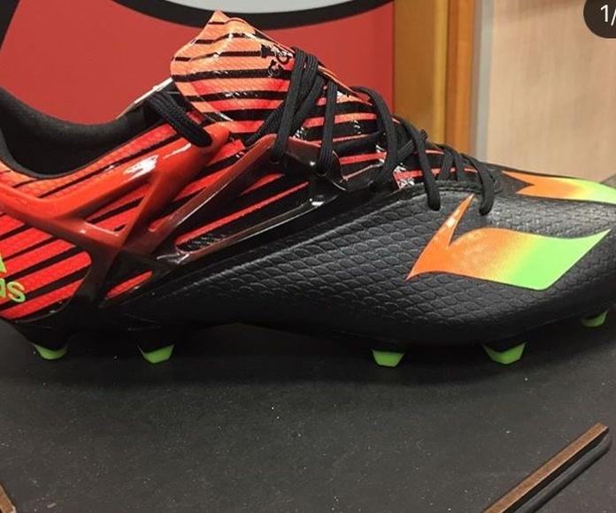 Zapatillas de fútbol: Productos de Aventura Deportes