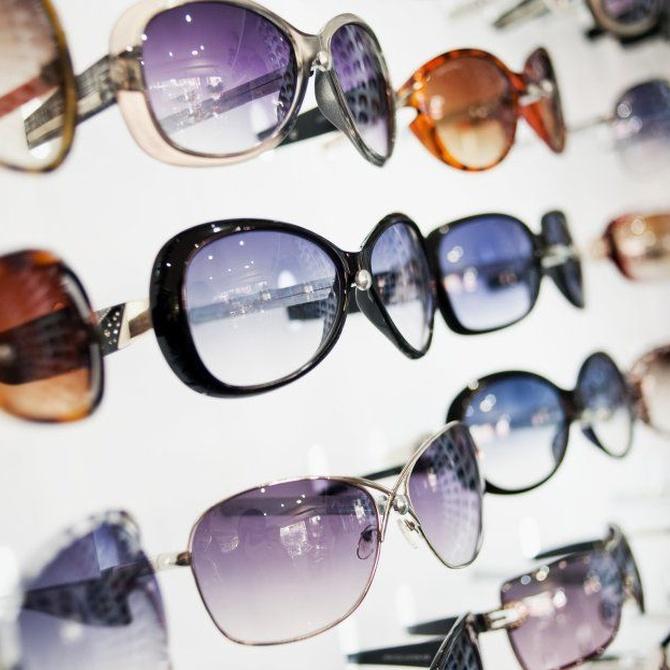 ¿Qué suponen ciertos tipos de gafas en las caras redondas? ¡Descúbrelo!