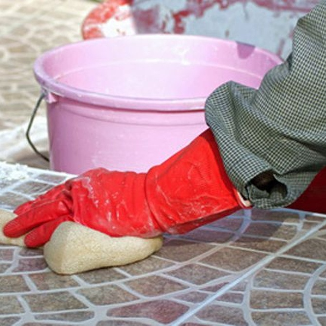Cómo limpiar y mantener en buen estado las juntas de azulejos y baldosas