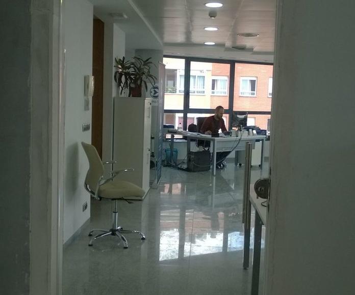 División de oficinas: Catálogo de LMC Glass