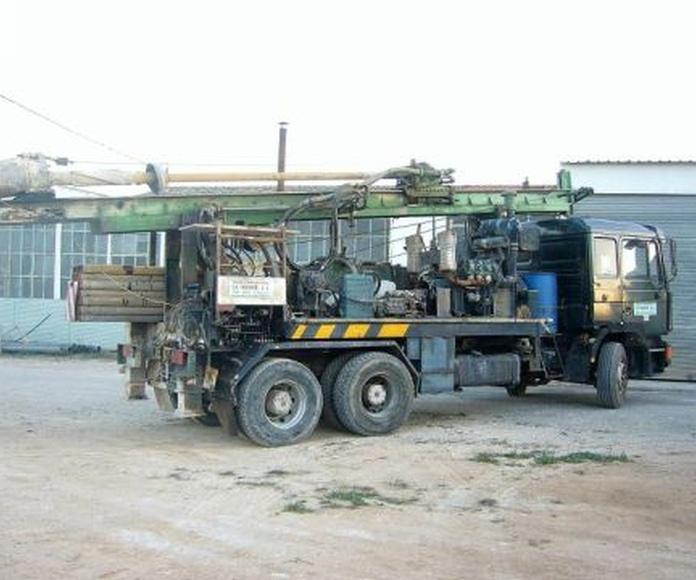 Equipamientos de bombeo: Servicios de Perforaciones La Ibense