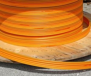 Tendidos de fibra óptica y cobre en Sevilla