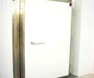 Puerta cortafuegos batiente cámaras frío en Valencia/Farem Puertas Automáticas