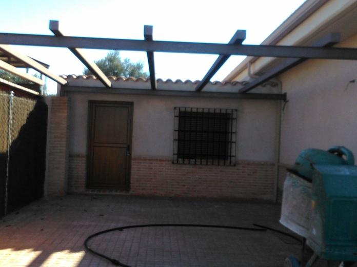 CONSTRUCCION EN CHALET