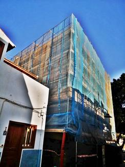 Instalación de andamio tubular de fachada. San Andrés.