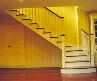 Escaleras de madera en Bizkaia