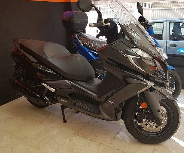 Motos seminuevas garantizadas: Servicios de MV Racing
