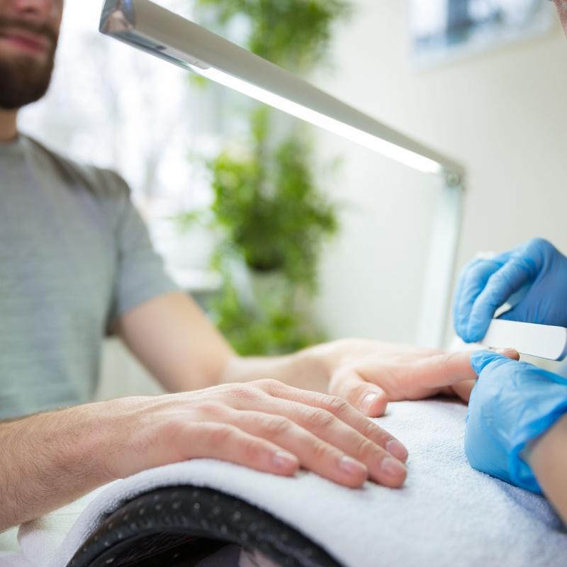 Manicura masculina: Nuestros servicios de Studio de manicura y maquillaje en Segovia
