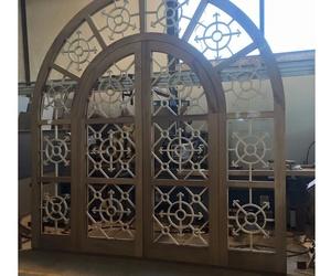 Puertas y ventanas de madera