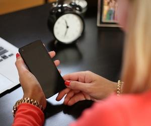 Reparación y mantenimiento de telefonía móvil y otros