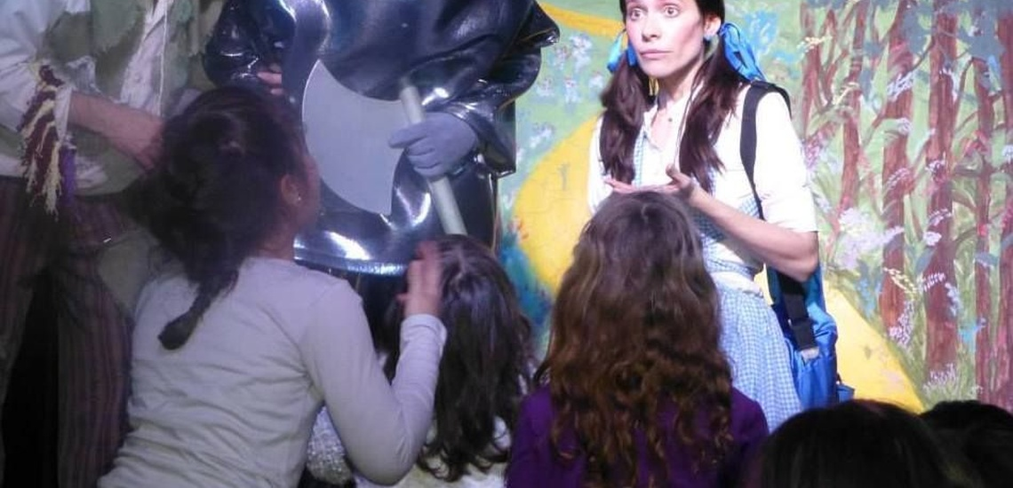 Representación de obras de teatro en Arganzuela, Madrid, Mago de Oz
