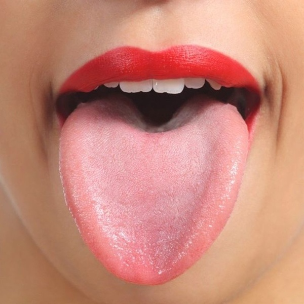 Anemia, estrés y tabaquismo pueden provocar ardor en la lengua.