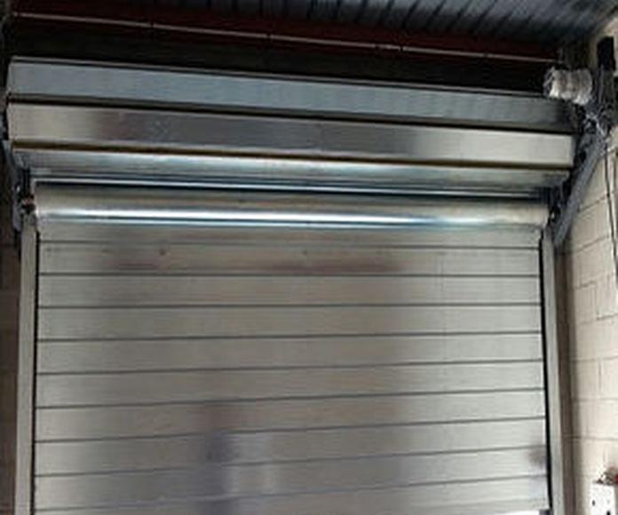 Puerta enrollable cortafuegos automática
