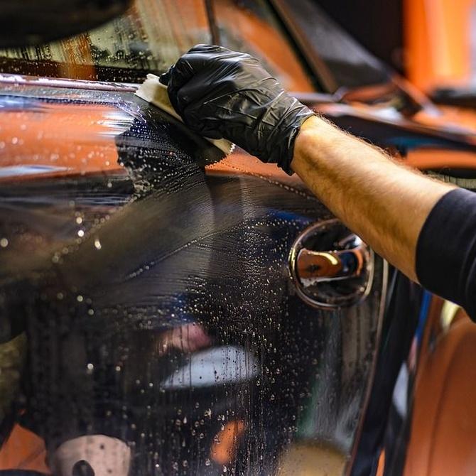 Los beneficios de limpiar con ozono nuestro vehículo