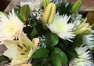 Flor cortada y decoraciones florales