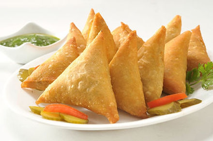 Entrantes / Starter: Carta de Atocha Tandoori Restaurante Indio