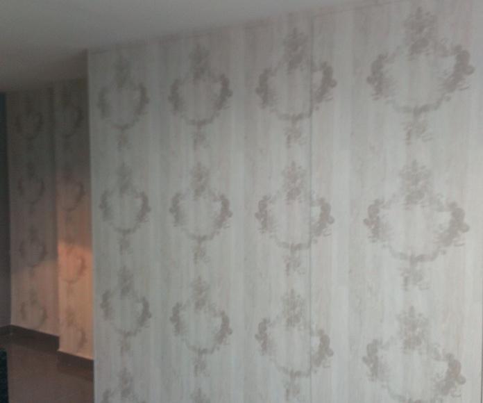 papel pintado enfrente armario cocina