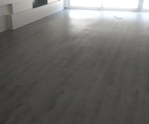 Video de Instalación de Suelo Laminado Finfloor Roble Bromo por Instalador de tarima flotante  y suelo laminado. Móvil: 684 222 222
