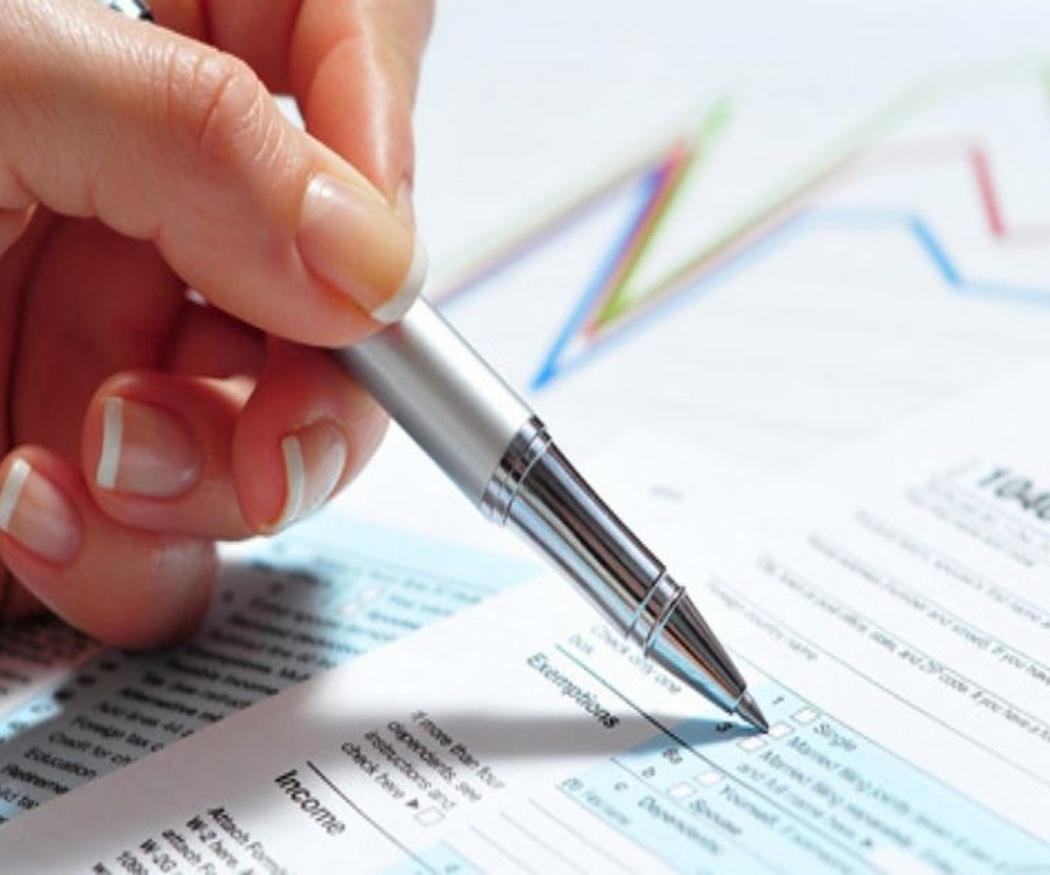 El papeleo puede quitarte tiempo útil si no cuentas con especialistas