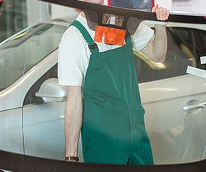 Reparación y sustitución de lunas de automóviles en Murcia