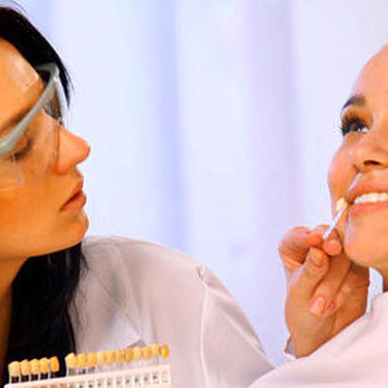 Implantologia y estética dental: Especialidades de Clínica Dental Dentsano