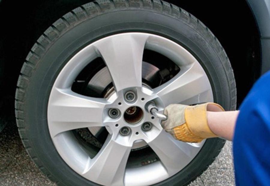 La importancia del correcto estado de los neumáticos