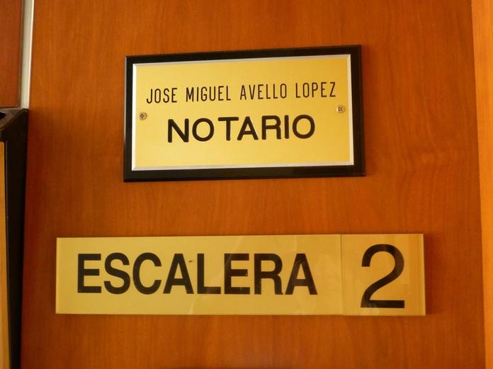 Artículo Tercero: Aranceles de Notario José Miguel Avello