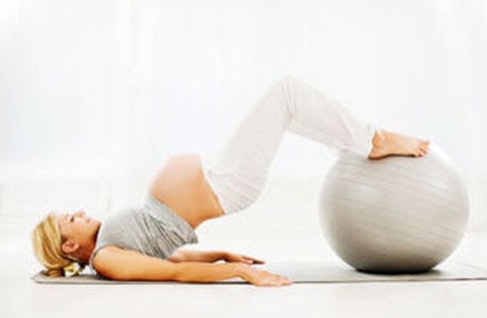 Pilates para embarazadas: Tratamientos de Clínica Fisioterapia Ana B. Quintana