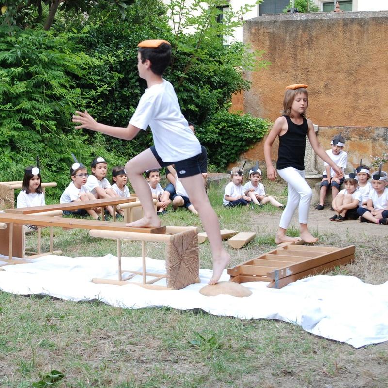 Treball d'equilibri i dansa creativa: Escuela de música i Expresión  de Can Canturri