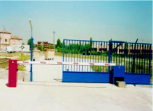 Fotos de Puertas automáticas y accesorios en Madrid | Automatizaciones Lázaro, S.L.