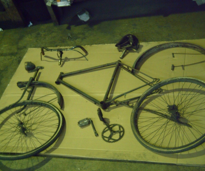 Restauración Integral Bici de Barilla del 1930: Trabajos de Rebeca Pulidos y Cromados