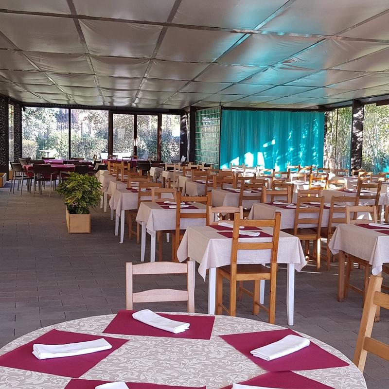 Celebraciones: Nuestros servicios de Buffet Lliure Castell de Besalú