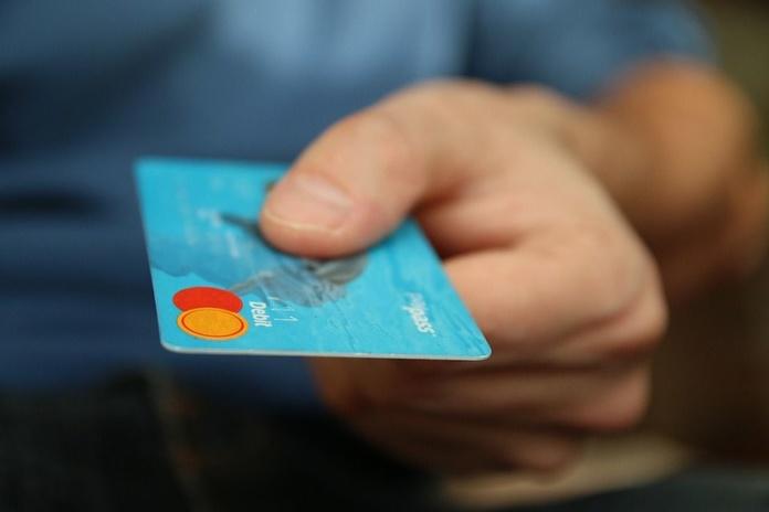 Pago telefónico con tarjeta de crédito