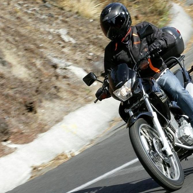 Limpiar el chasis de tu moto a fondo