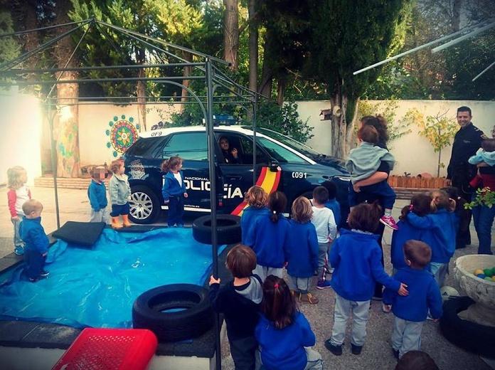 Policia en Playschool