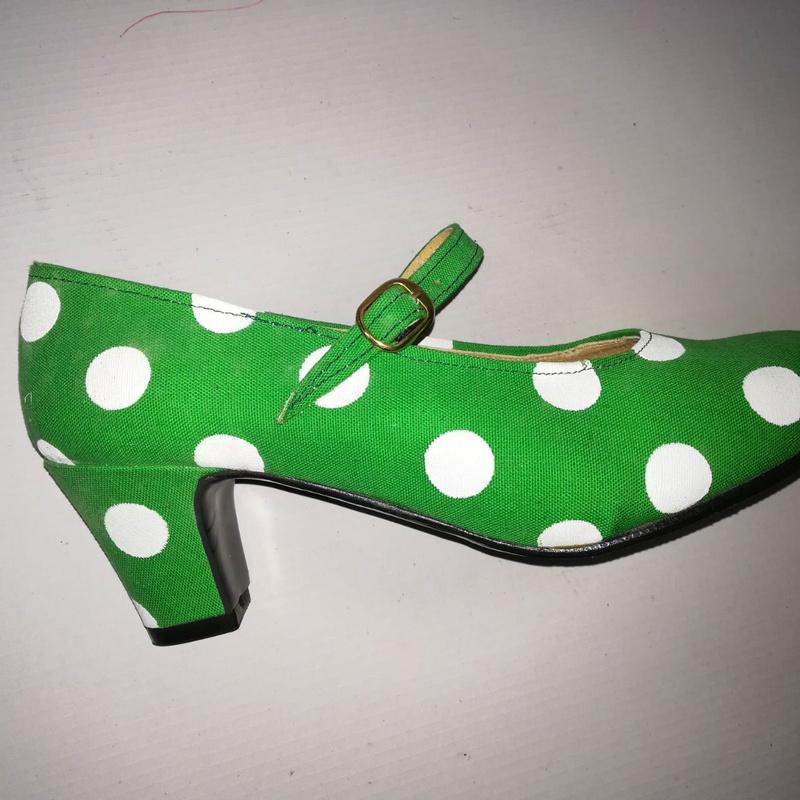 Zapato de textil con lunares: Productos de Calzados Malaca