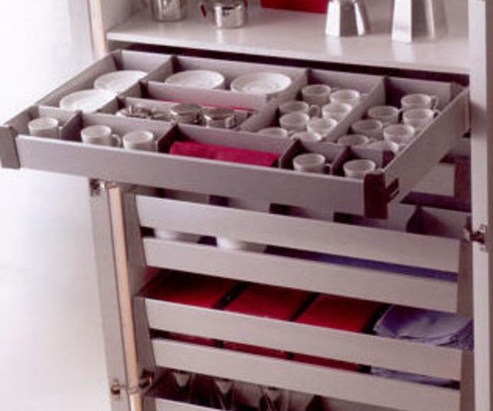 Mueble de cocina con gavetas interiores
