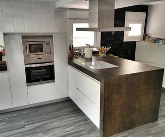 Reformas de baños: Muebles de cocina y reformas de Luxe Cocinas