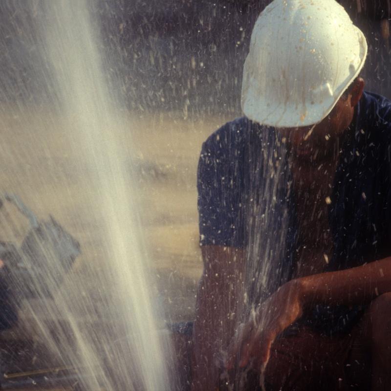 Redes de Agua: Localizamos Fugas En... de F&R Izquierdo